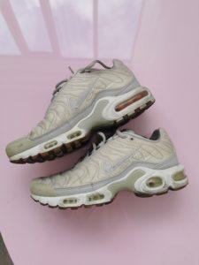 Nike tn blanches